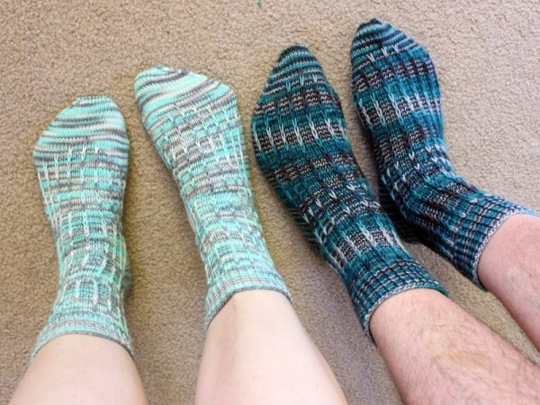 FOFri #41: Socks & Swatches | Woolen Diversions
