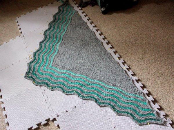 FOFri #43: Kelp-y Kelpie Shawl | Woolen Diversions